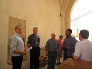 Visite évêque à DROM (1)