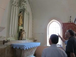 Visite évêque à DROM (3)