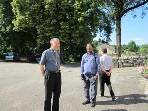 Visite évêque à DROM (4)