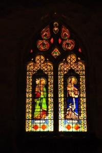 Le vitrail de l'église St Thyrse à Drom
