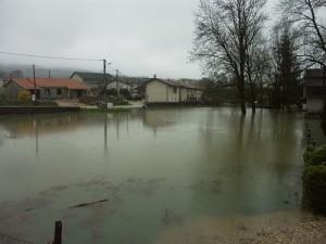 La lavoir de Drom sous l'eau