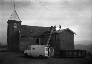 Réfection toiture à Notre Dame des Conches (Ramasse) en 1995)