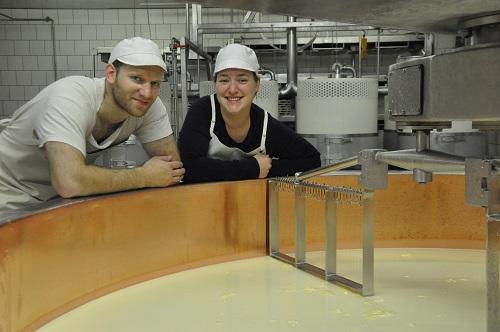 Aurélie & Aurélien, fromagers à DROM
