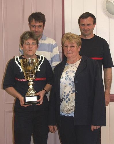 Au parcours sportif des sapeurs pompiers, le CPI de Drom (Corps de Première Intervention) remporte le challenge Carrier (challenge de la représentativité) pour la deuxième année consécutive). Le même mois, Martine Vicard (premier rang, à gauche) est championne féminine de l'Ain de cyclisme sur route.
