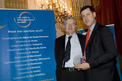 """Réception à l'Assemblée Nationale pour la remise des """"Rubans du Développement Durable"""", avec Jean Marie Pelt, président de l'Institut Européen d'Ecologie et président du jury"""